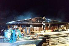 Pożar zakładu produkcyjnego w Gościeszynie