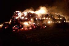 Kolejny pożar stogu! Tym razem w Wąsoszu palą się dwa!
