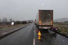 Wypadek z udziałem motorowerzysty i pojazdu ciężarowego